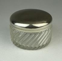 0Q928 Régi kisméretű fémfedeles üveg szelence