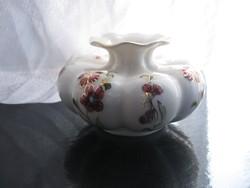 Zsolnay gerezdes váza