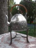 Klasszikus art deco ezüstözött teáskanna állványon