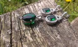 Szikrázó smaragdzöld cirkon köves 925 jelzett ezüst szett
