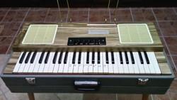 Hordozható zongora vagy micsoda