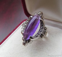 Különleges ametiszt köves ezüst gyűrű markazit díszítéssel, FŐÉ