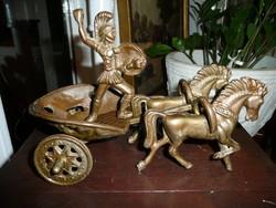 Római harci szekér lovakkal - antik bronz szobor