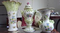 3db MONUMENTÁLIS Herendi porcelán QueenVictoria váza