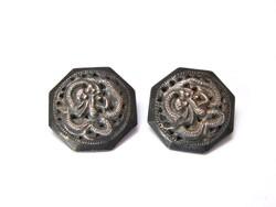 Vietnámi ezüst gombok.
