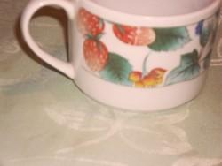 Szamócás csésze
