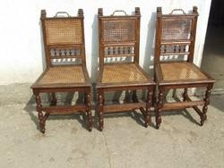 Három régi szék