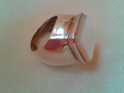 Brutális  pecsétgyűrű gyöngyházzal