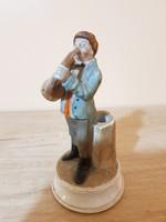 Antik bécsi gyufagyújtó porcelán szobor