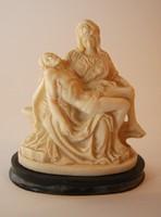 Pieta  Mária Jézussal