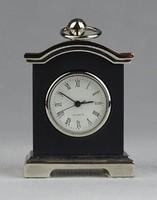0R402 Kisméretű BB Quartz asztali óra