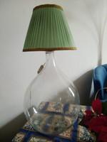 Régi üveg boros demizsonból készült asztali/padló lámpa