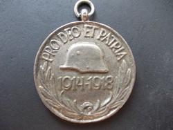 Pro deo et patria érem kitüntetés