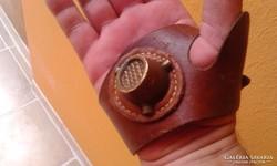 Antik tenyérvédő - bőrvarró -