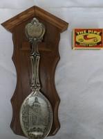 Díszkanál - 2003. Évszámozású ón kanál keményfa tartóban, 23 x 12 cm - Német