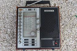 Meridian 211 tranzisztoros rádió