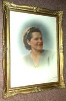 Női portré 1946 szignált alkotás keretezve.