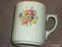 Zsolnay  szoknyás csésze teás