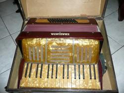 Reményi Mihály hangszerkészítő által forgalmazott antik Traviata harmónika kb.1920
