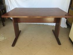 Modern barna íróasztal (fa asztal)