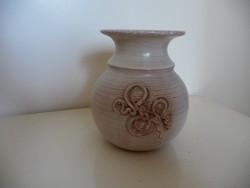 Szürke kerámia váza