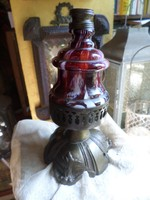 Gyönyörű , szecessziós lámpatest , nagyon jó állapotban . 20 cm magas 12 cm széles .