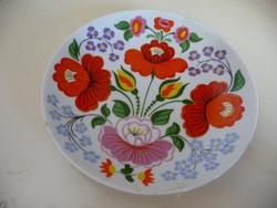 Hollóházi porcelán virágmintás fali tányér