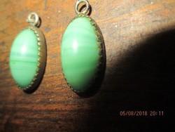 Zöld köves fülbevaló vagy medáll