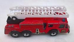 Fire engine ( tűzoltóautó ) 1982 ( Matchbox autó )