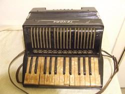 Record Tenora tangoharmonika, akár dekorációnak is