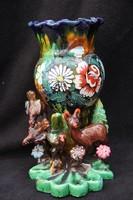 Állatokkal díszített virágmintás kerámia váza