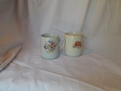 2 db Zsolnay porcelán virágos bögre