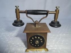 Kicsi, réz telefon, 8 x 7 x 4 cm