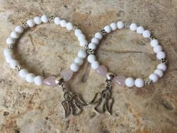 Barátság karkötők: Fehér jáde rózsakvarc szivecskével angyal figyegővel