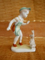 Aquincumi porcelán kisfiú nyuszival