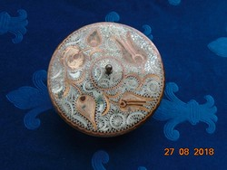 Antik cizellált virág mintás ezüst és réz berakásos vörös réz doboz gömb lábacskákon