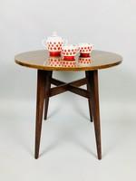 Retro kör alakú lerakóasztal fából