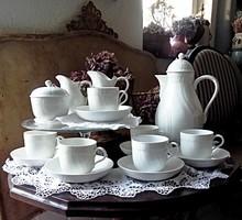 Fehér virágos dombormintás KPM teás készlet