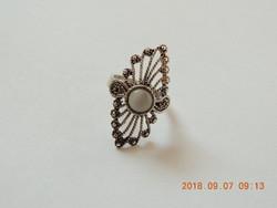 Valódi gyöngyház díszítésű antikolt ötvös ezüst gyűrű