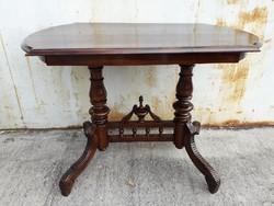 Restaurált Asztal