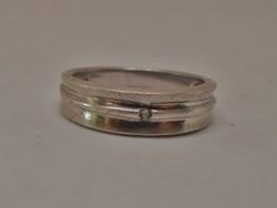 Gyönyörű köves tömör ezüstgyűrű