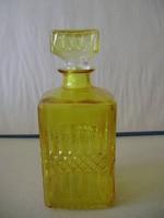 Antik különleges, borostyán színű whiskey-s üveg 0.7l