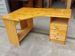 Eladó egy fenyő sarok íróasztal.  Bútor jó állapotú, asztal lapja nem karcos. Ára:39900ft Méretei:14