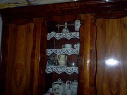 Neobarokk 3 ajtós ,vitrines szekrény