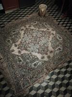 Antik nagyon szép szőnyeg nagyon szép kék szín dominál benne selyem