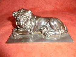 Bronzírozott vas oroszlán szobor