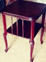 Eredeti Ottó Wagner thonet asztal, fissen restaurált  asztal, ujságtartós, jelzett