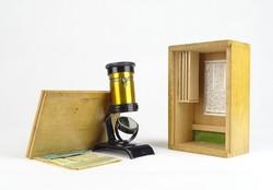 0T157 Régi kisméretű német mikroszkóp fa dobozában