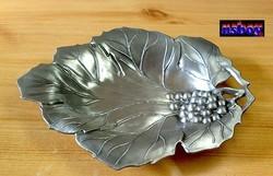 Szőlőlevél gyümölcstál tiszta ónból, kivételes szépségű rusztikus kínáló edény