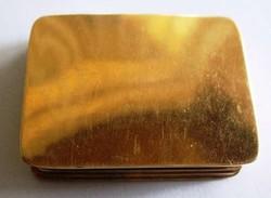 Arany gyógyszeres dobozka